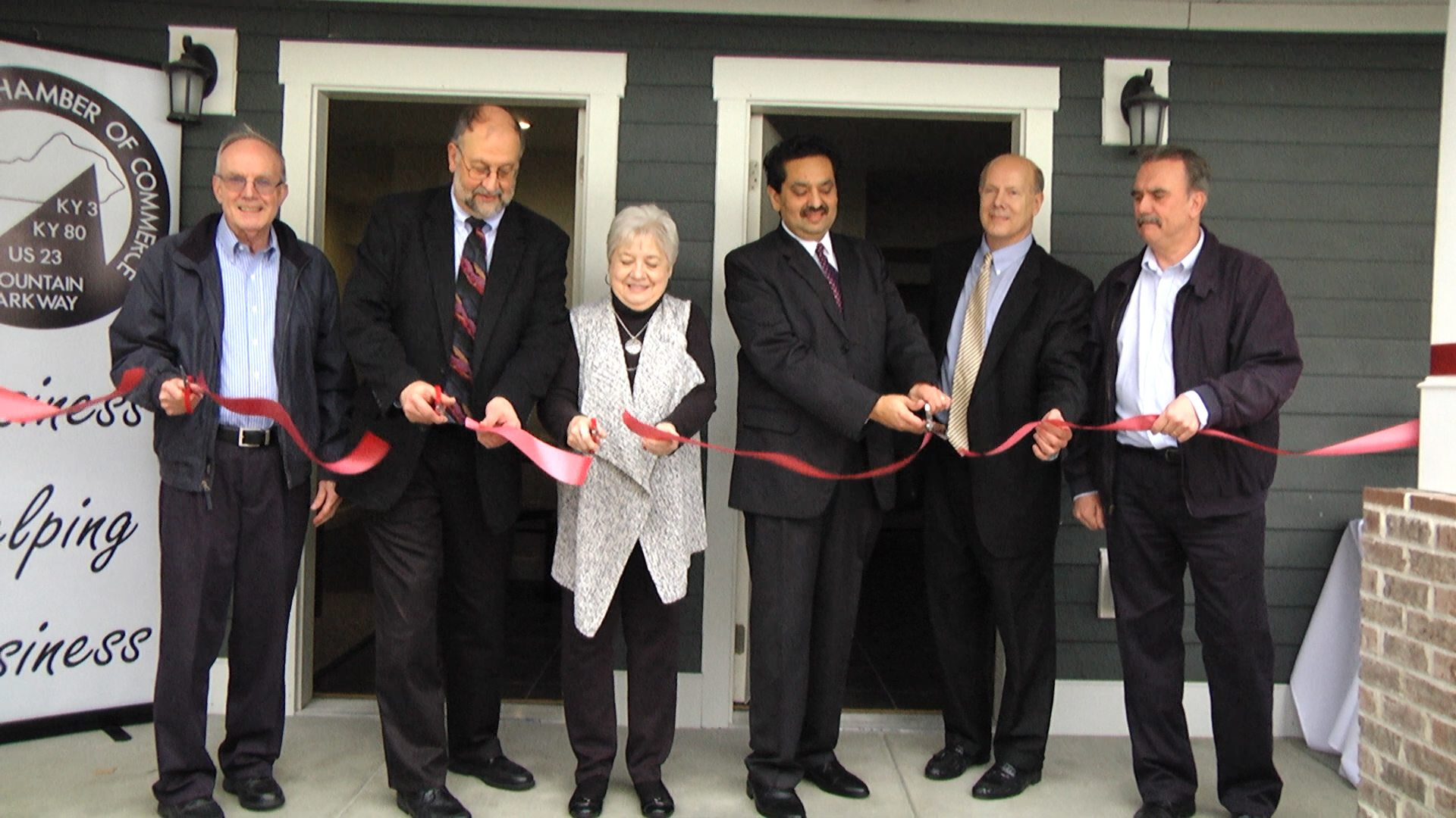 Agency cuts ribbon on low-income/transitional housing facility