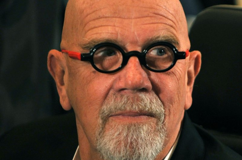 Artist Chuck Close, known for photorealistic portraits, dead at 81