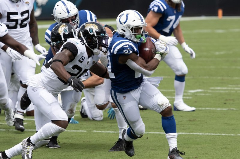 Indianapolis Colts, RB Nyheim Hines reach agreement on 3-year extension