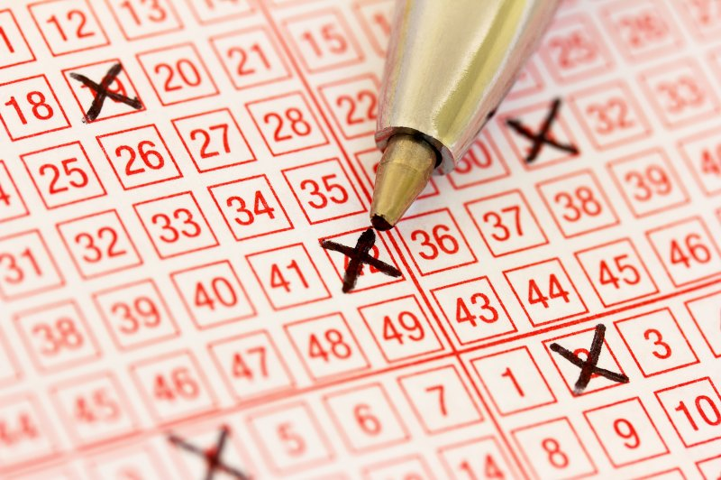 Lottery drawing comes up 8-8-8 and 11,926 tickets win top prize