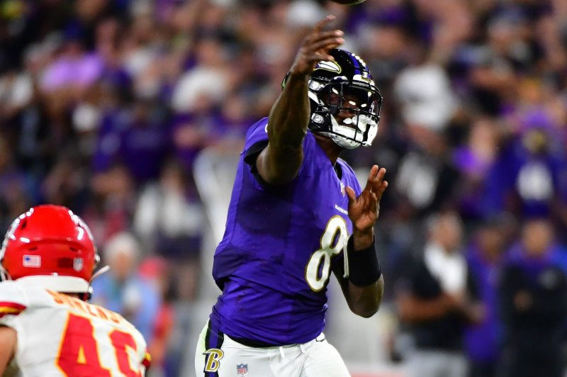 Ravens' Lamar Jackson dealing with 'back flare-up,' misses second straight practice