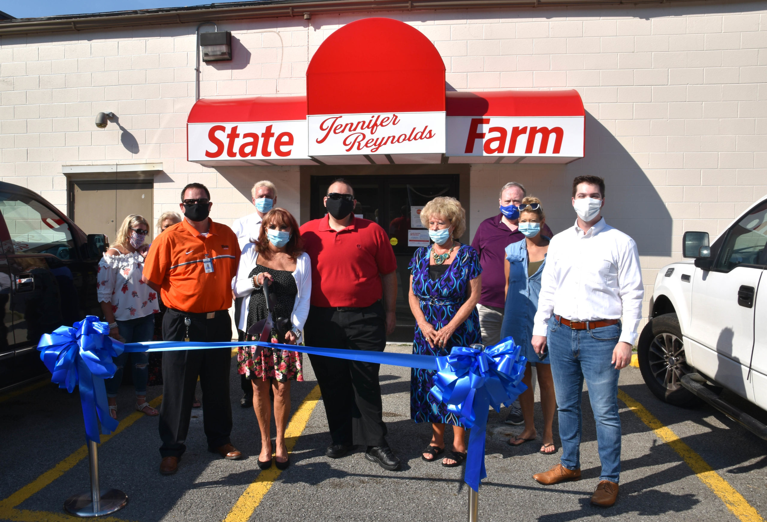 State Farm agent opens new location, donates $500 to Pikeville emergency shelter