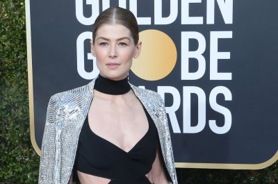 Watch: Rosamund Pike wields magic as Moiraine in 'The Wheel of Time' trailer