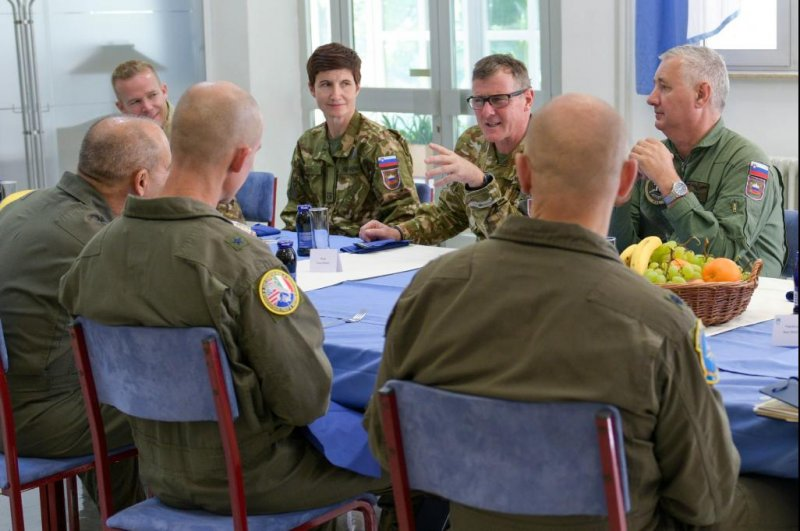 U.S., Slovenian military officials discuss joint response to potential threats