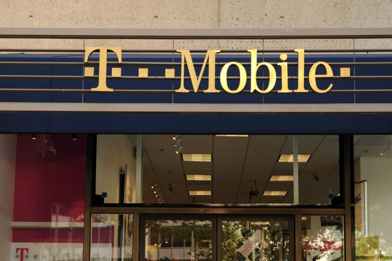 Wireless carrier T-Mobile confirms it is investigating data breach