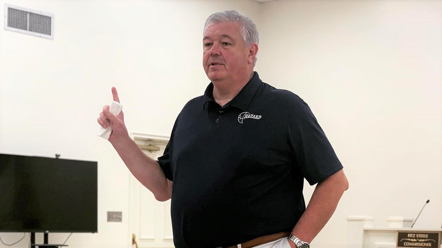 HIGH SCHOOL BASKETBALL: Legendary Hazard coach retires after 30 seasons