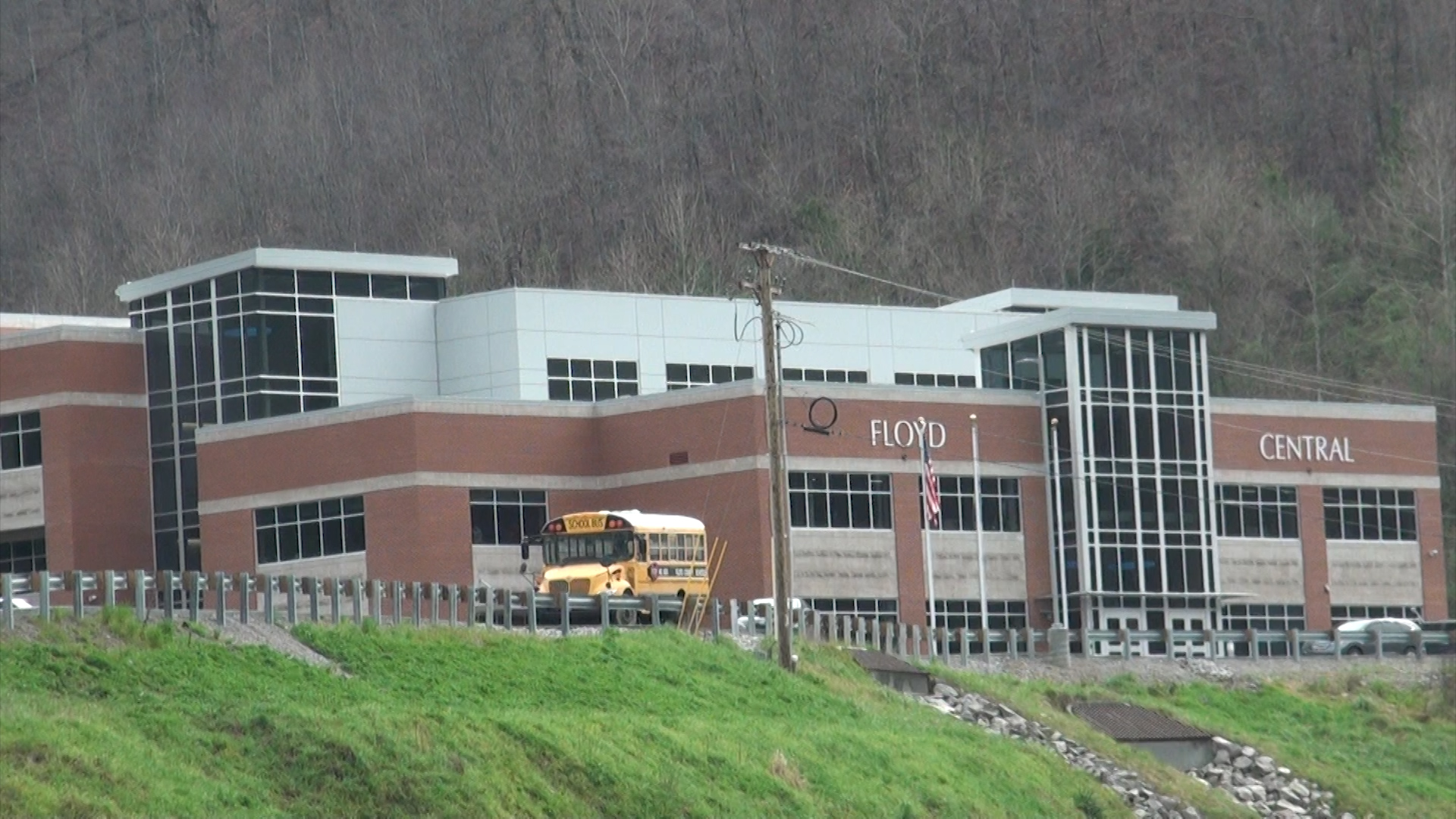 Floyd Central goes virtual after 23 staff members quarantined