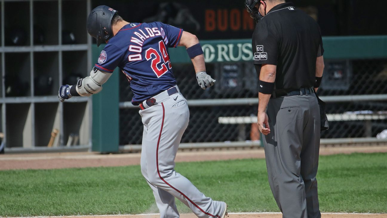 Twins' Donaldson ejected at plate after HR trot