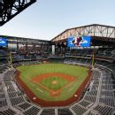 Giants-M's games postponed due to Seattle air