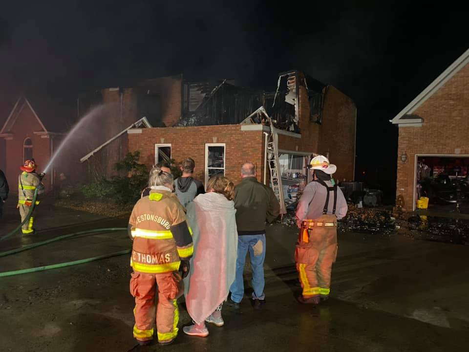 Floyd sheriff loses home to fire