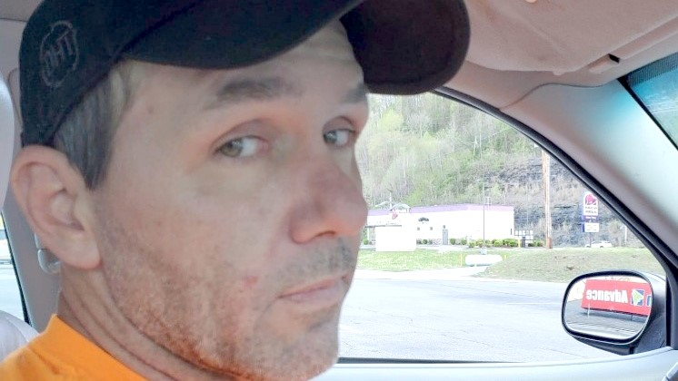Mingo sheriff searching for man accused of robbery, wanton endangerment